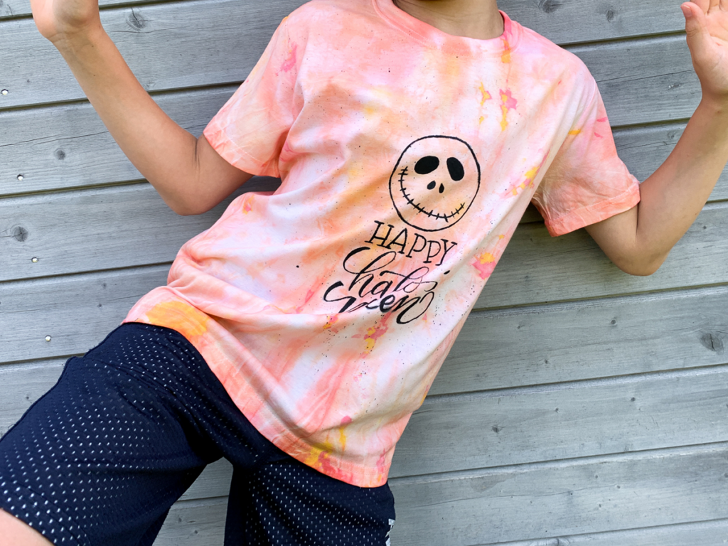 diy | do it yourself | selbermachen | halloween | halloween diy | halloween batikl | t-shirt | batik | basteln | kinderbasteln | t-shirt batik | t-shirt färben | färben