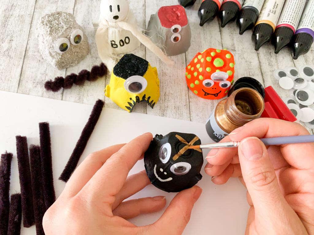 diy | do it yourself | selbermachen | halloween | halloween diy | basteln | kinderbasteln | basteln für halloween | basteln mit kindern | monster basteln | monster aus eierschachten | eierkarton diy