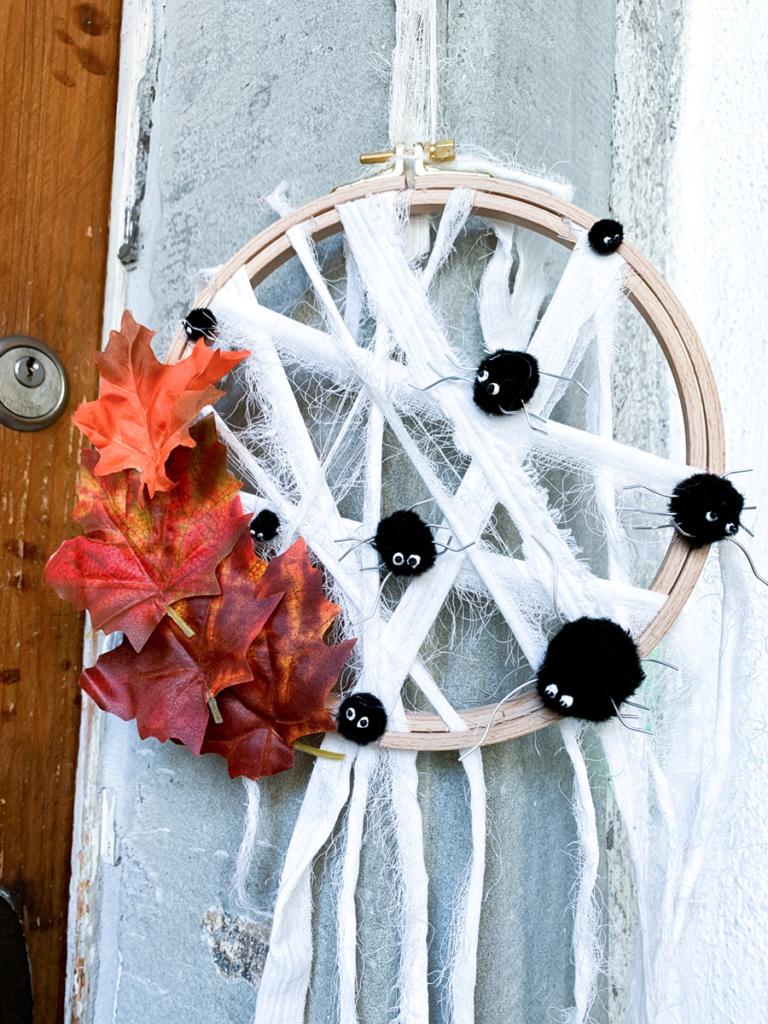 diy | do it yourself | selbermachen | halloween | halloween diy | basteln | kinderbasteln | basteln für halloween | basteln mit kindern | spinnen | spinnennetz | spinnen für halloween